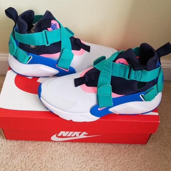 900859dbce23 Nike Huarache City. NWB